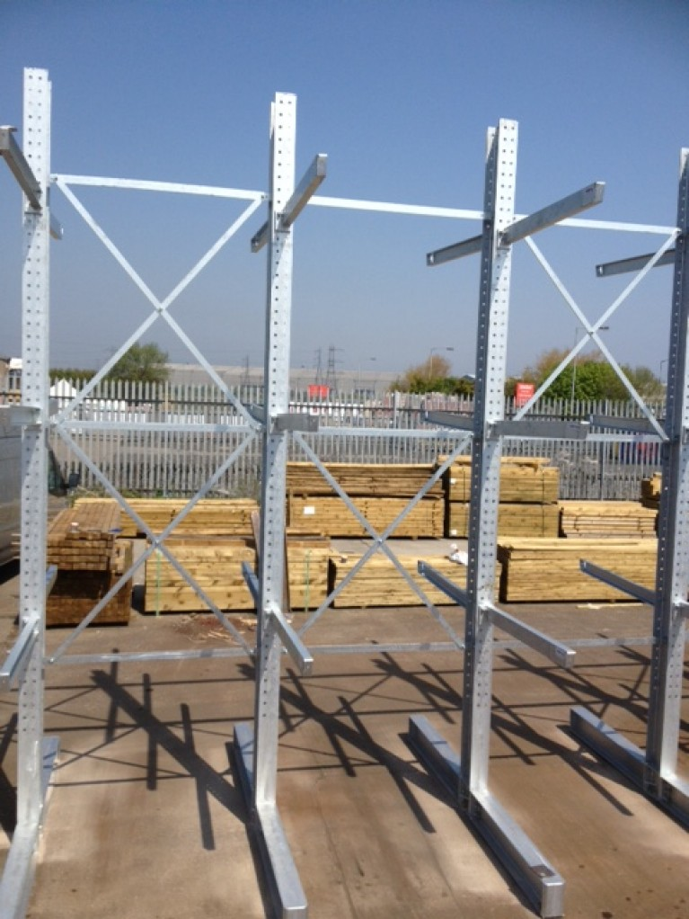 Cantilever X Bracing - 5000m high – Galvanised